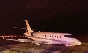 38eb534e00000578-3813709-the_plane_s_landing_gear_was_badly_damaged_and_the_runway_was_cl-a-52_1475158783392