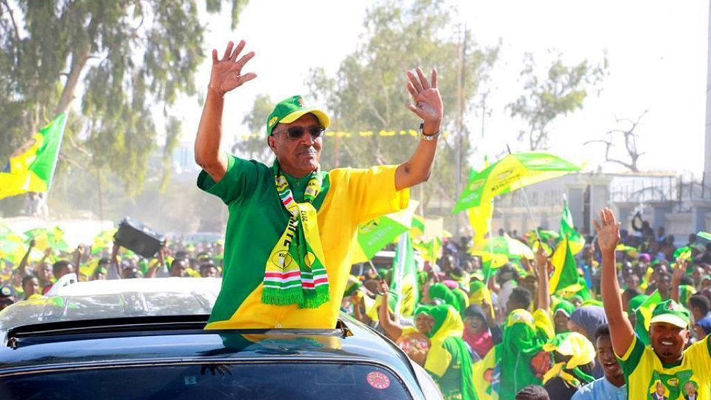 Somaliland hailed as it swears in new president