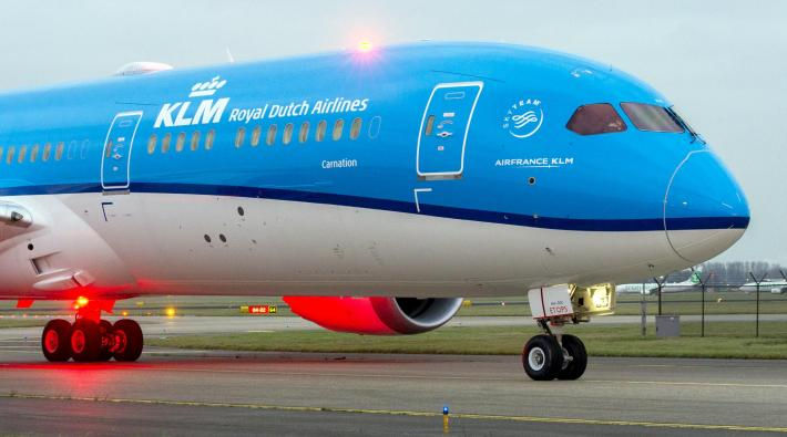 KLM to pay €600 compensation for overbooking flight