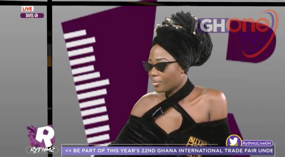 Uncontrollable tears as Efya weeps for Ebony!