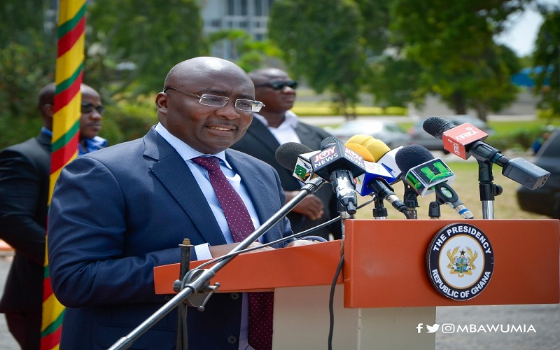Woo unbanked Ghanaians into financial space with MMI – Bawumia to Bankers