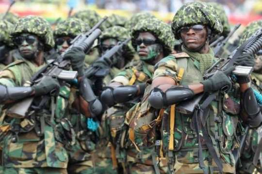 U/E: Soldiers, Police clash over Military camouflage