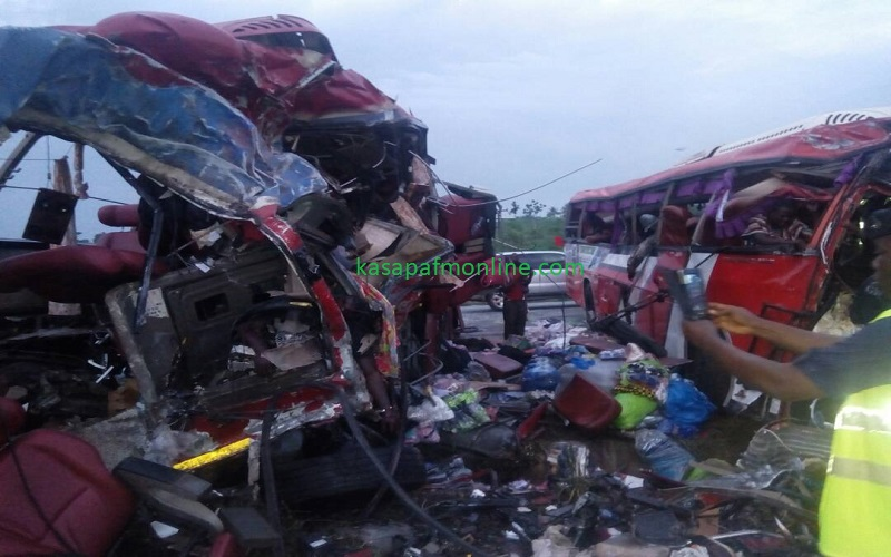 E/R: Scores die in gory accident, others in critical condition