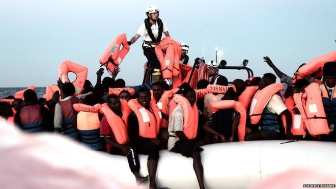 Italy shuts ports to migrant rescue ship