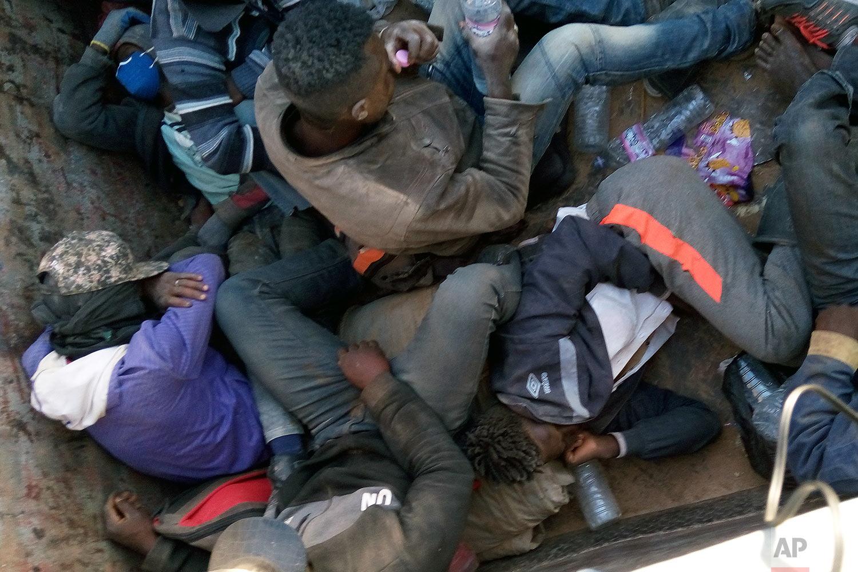 Algeria abandons 13,000 migrants in the Sahara