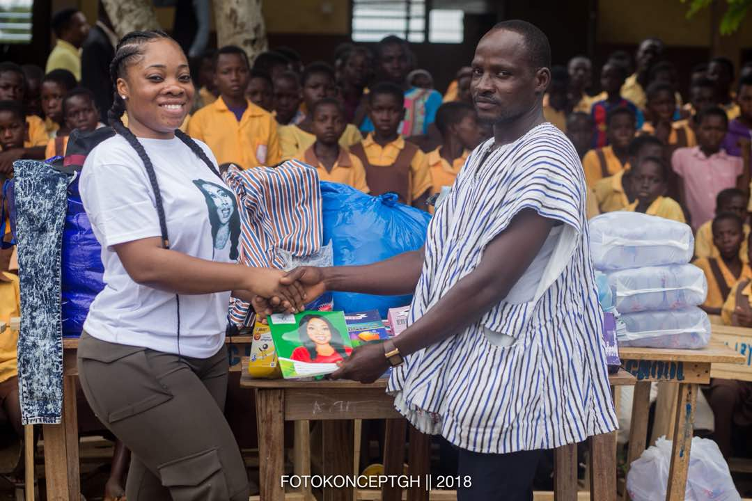 Moesha Bodoung donates to Tebu M/A Basic School