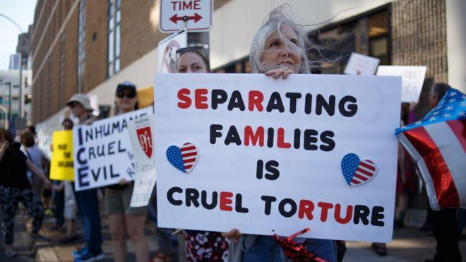 US migrants: Judge orders deportation plane turnaround