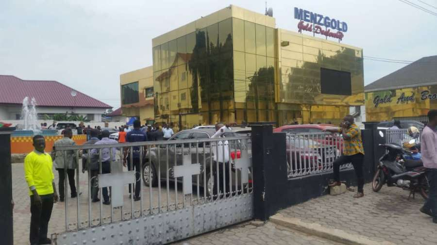 Menzgold suspends new online trading; asks staff to proceed on leave