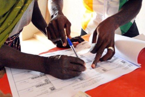 EC to exhibit provisional voter's register